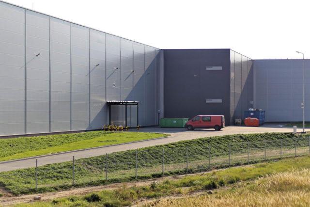 roboty-ziemne-fabryka-gates-legnica_35-640x427