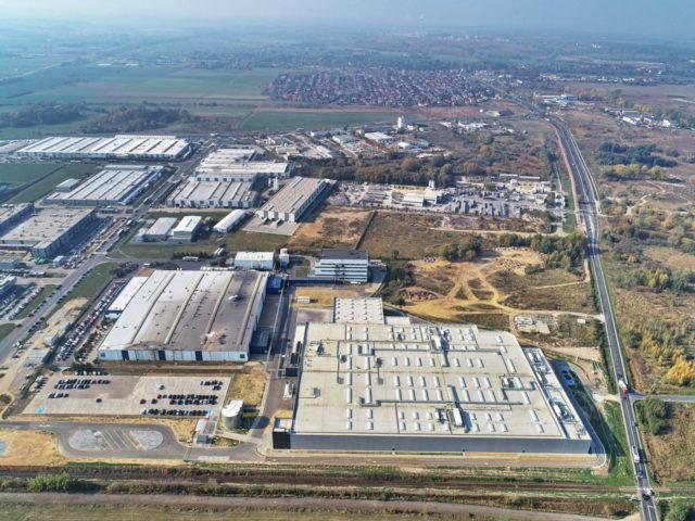 roboty-ziemne-fabryka-gates-legnica_06-640x480