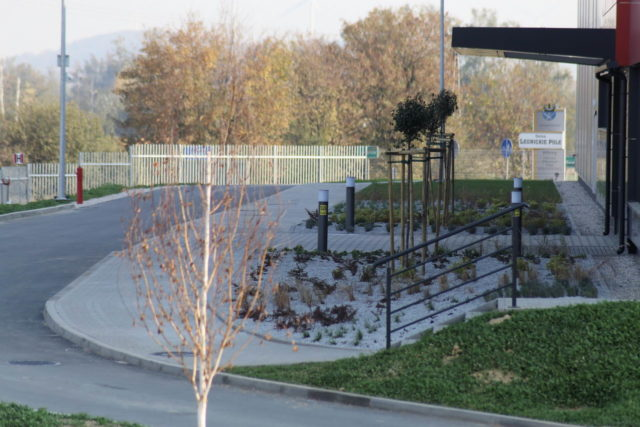 roboty-ziemne-fabryka-gates-legnica_32-640x427