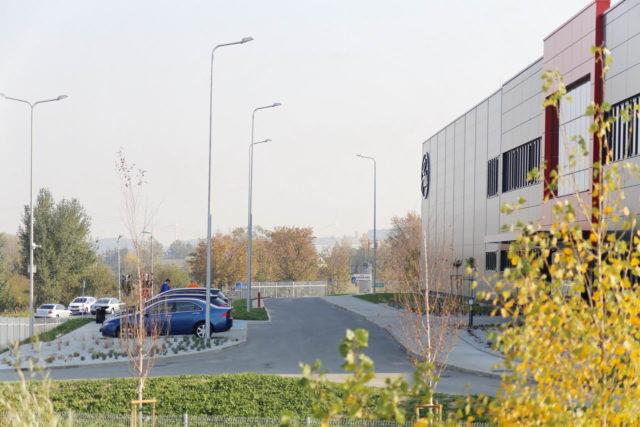 roboty-ziemne-fabryka-gates-legnica_36-640x427