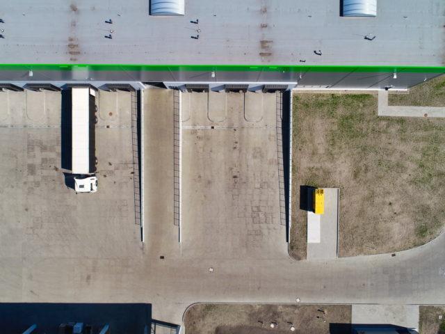 piatek-centrum-logistyczne-ziemne-drogowe-ukladanie-kostki_specbruk_14-640x480