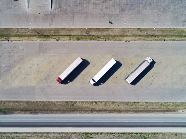 piatek-centrum-logistyczne-ziemne-drogowe-ukladanie-kostki_specbruk_24-640x480