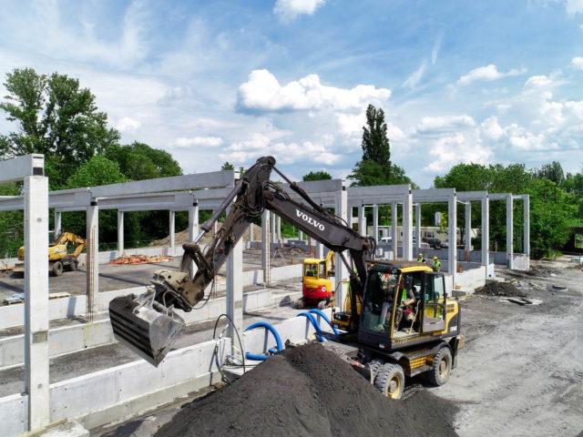 roboty-ziemne-budowa-obiektu-handlowego_bielsko-sobieskiego_05-1-640x480