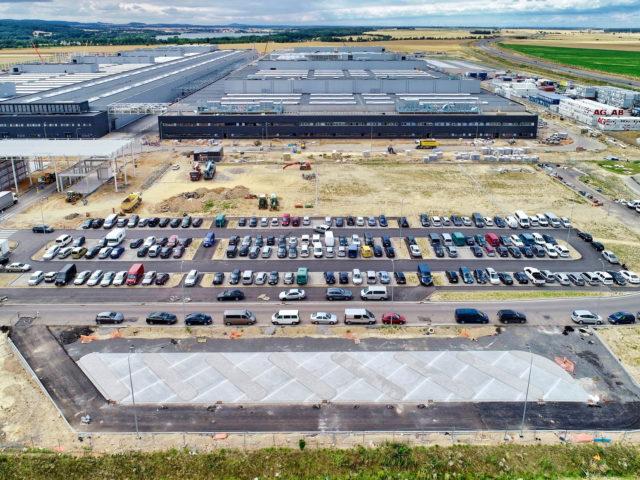 nawierzchnie-drogowe-roboty-ziemne-jawor-budowa-fabryki-mercedesa_07-640x480