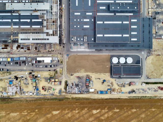 nawierzchnie-drogowe-roboty-ziemne-jawor-budowa-fabryki-mercedesa_19-640x480